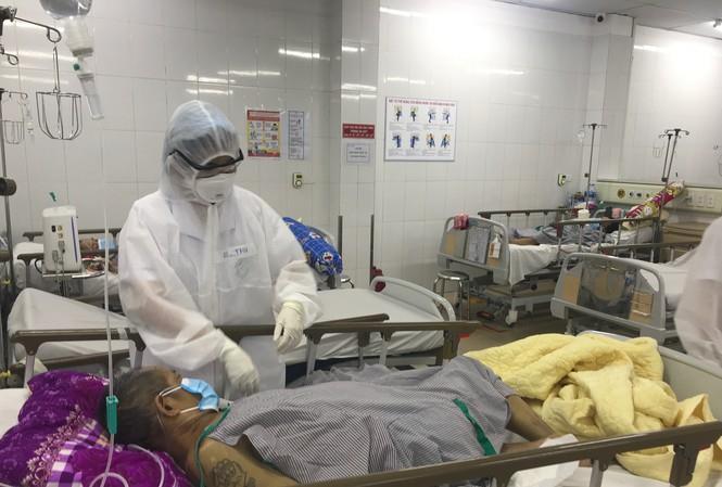 Các bệnh nhân nặng tại bệnh viện Bạch Mai đang được điều trị ra sao?