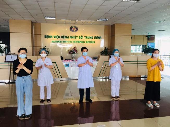Thêm 3 bệnh nhân Covid-19 ra viện, Việt Nam chữa khỏi 263 ca mắc