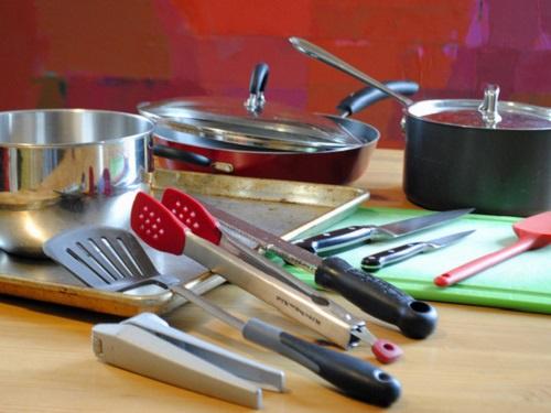 Mắc bệnh từ dụng cụ trong nhà bếp