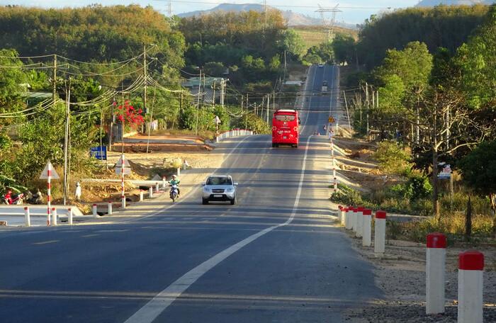 Kiên quyết trừ tiền các nhà thầu nếu bảo trì đường bộ yếu kém